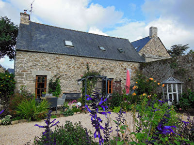 Jugon les Lacs area, Character house with lovvely garden