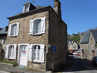 Charming house on the port of Dinan