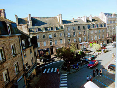 DINAN - 3 Bedroom apartment  with lift in the centre of the historic town.