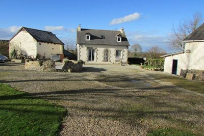 Broons area, delightful property with gite potential on 2 acres of grounds