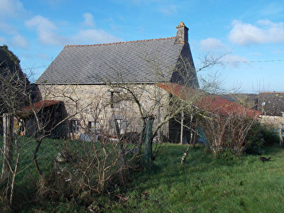 Detached house to renovate located in village, , south facing