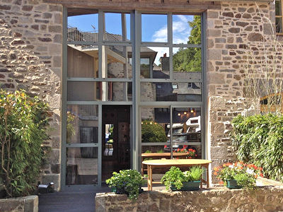 Dinan port: Fabulous maisonnette on the banks of the river Rance!
