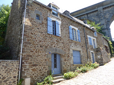 EXCLU. PORT de DINAN, maison familiale, grand garage, jardin.