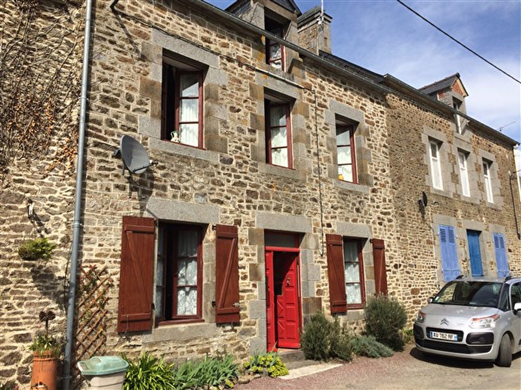 Stone house close to Dinan