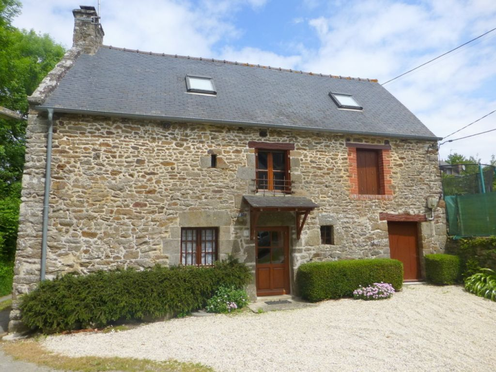 Port Lyvet - Charming stone built cottage with 3 beds