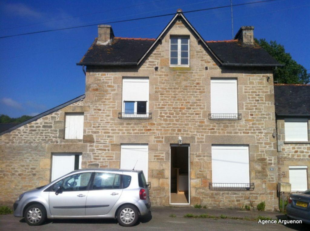 Secteur Plélan le Petit: maison de 2 chambres avec garage.