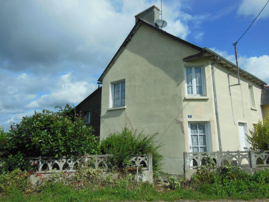 Secteur Broons: Maison de 3ch. dont 1 au rdc, belles vues sur la campagne
