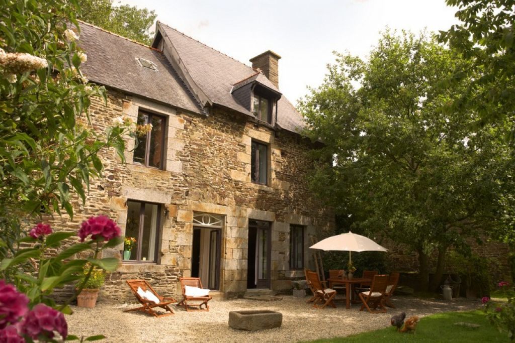 Beautiful refurbished farm house with gites close to Le Mont St Michel