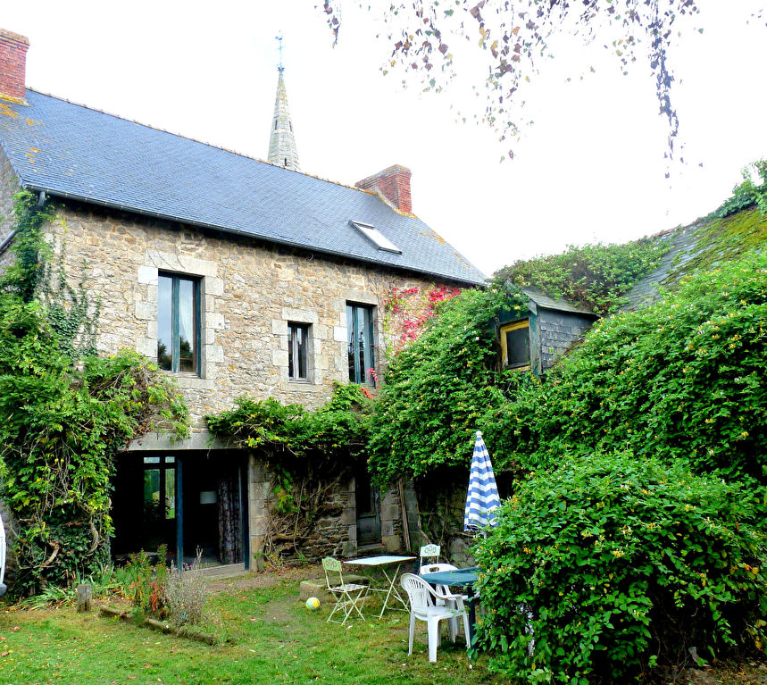 Jugon les Lacs, Elegant 1930's house with potential for 2 gîtes close to lake & forest