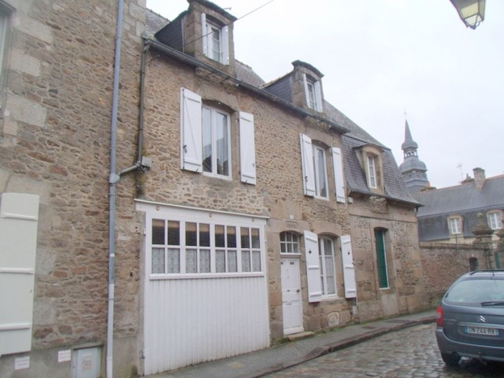 Beautiful home at the heart of the medieval city of Dinan