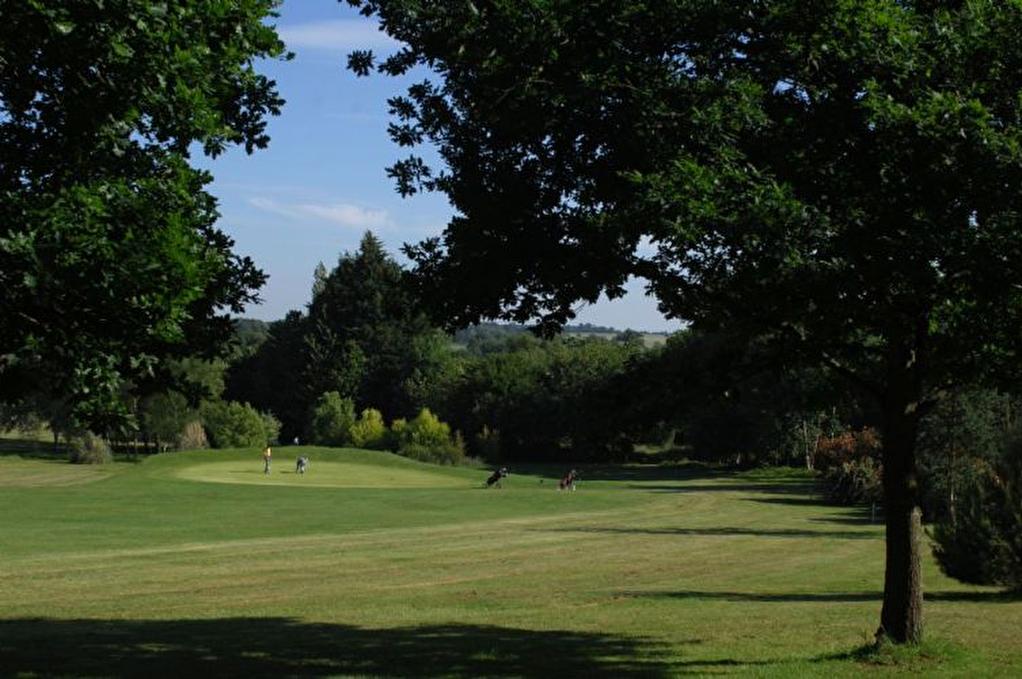 Belle propriété de campagne, Golf 9 trous, chambres d'hotes, terrain de loisirs constructibles à développer