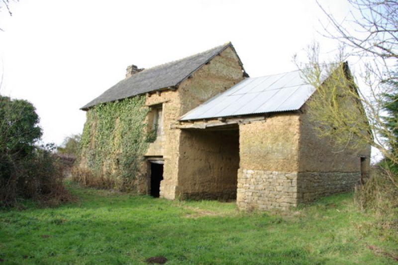 EXCLUSIVITE Broons: ancienne bâtisse indépendante à rénover en campagne