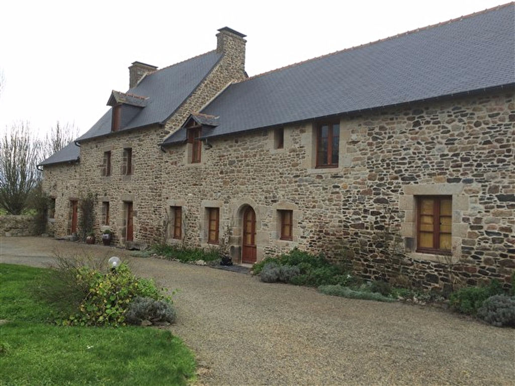 Spacious stone home on the coast -ideal chambres d'hôtes and gîtes