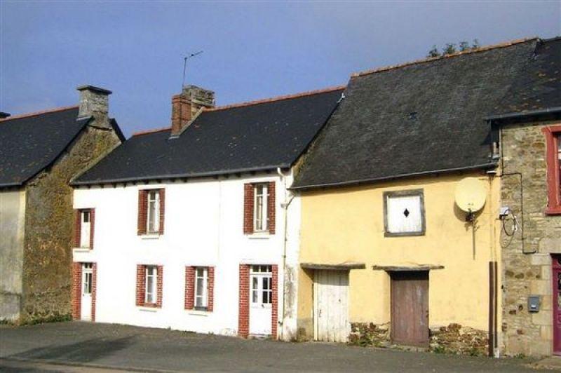 Proche RN12: maison de bourg à rénover