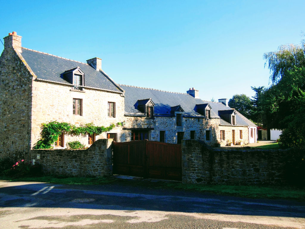 20mn from the sea: charming stone property offering 7 bedrooms and large grounds