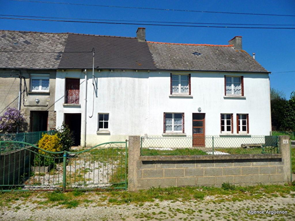 entre Dinan et Broons:  jolie maison de 2ch, avec terrain de 745m²