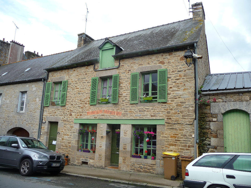 RENTAL BUILDING MONCONTOUR of Brittany