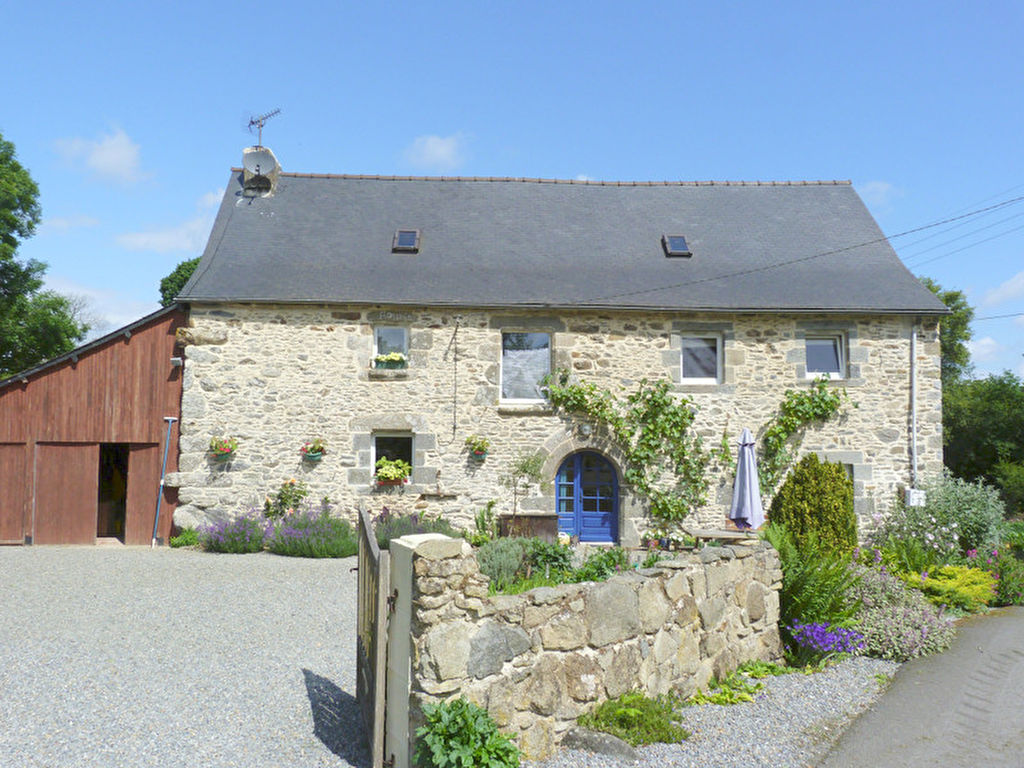 Such a Beauty, the perfect country home with 2.5 acre grounds & 4 bedroom gite