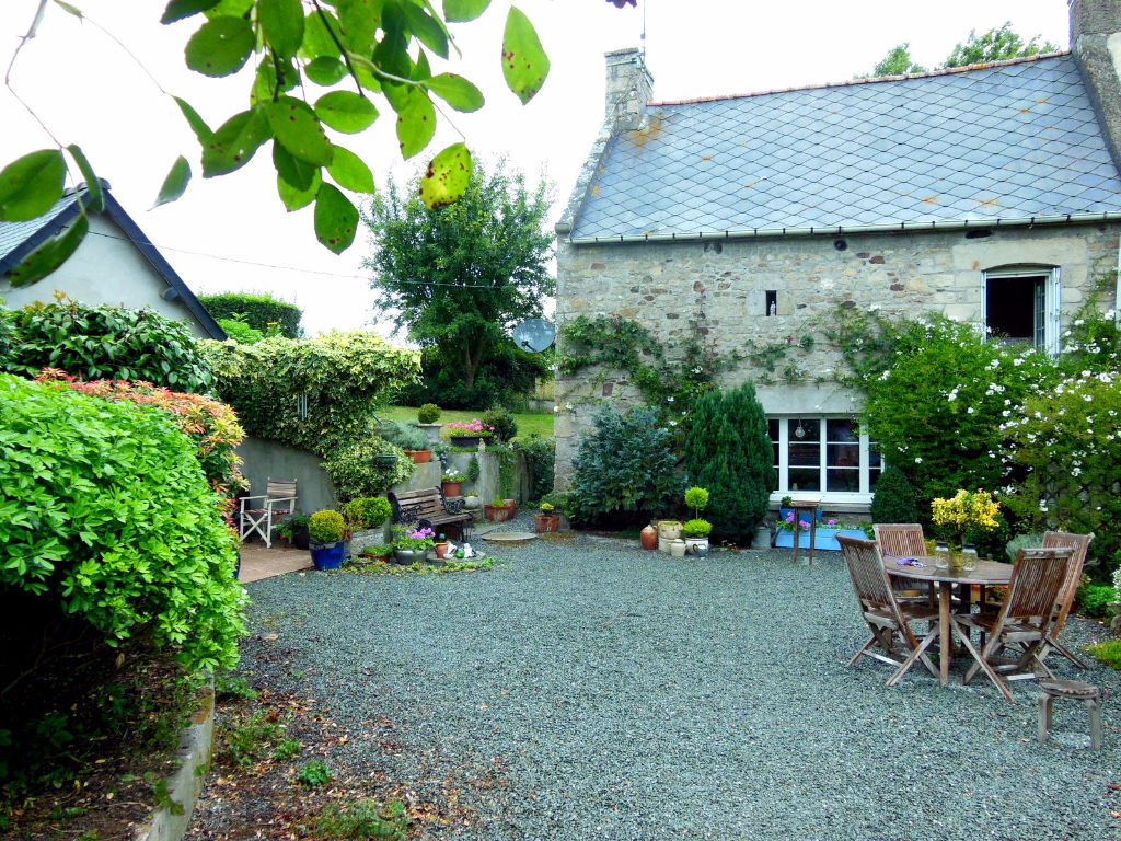 A 10 petites minutes de Dinan, Maison et jardin, ravissants!