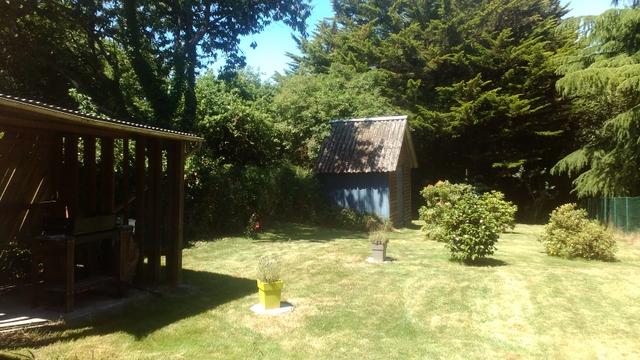 Maison en pierre avec garage et jardin sur Plouasne