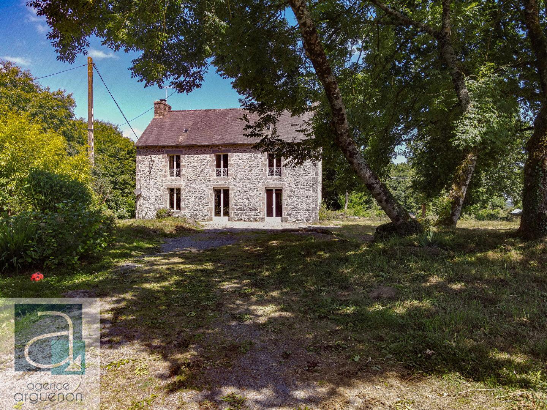 Collinée/Merdrignac: Belle maison familiale en campagne