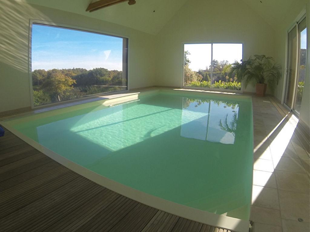 LEHON - vue panoramique sur Dinan, superbe contemporaine avec piscine intérieure