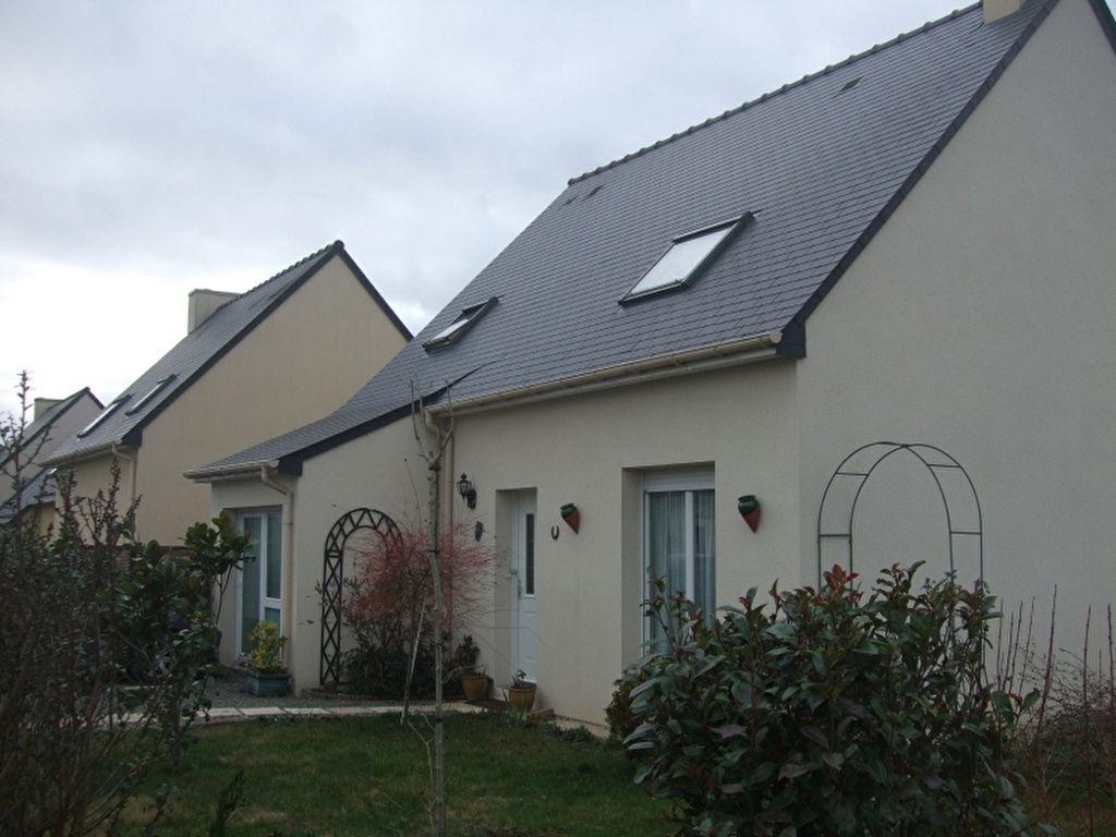 Lanvallay - 5mn Dinan: Maison récente de 4 chambres