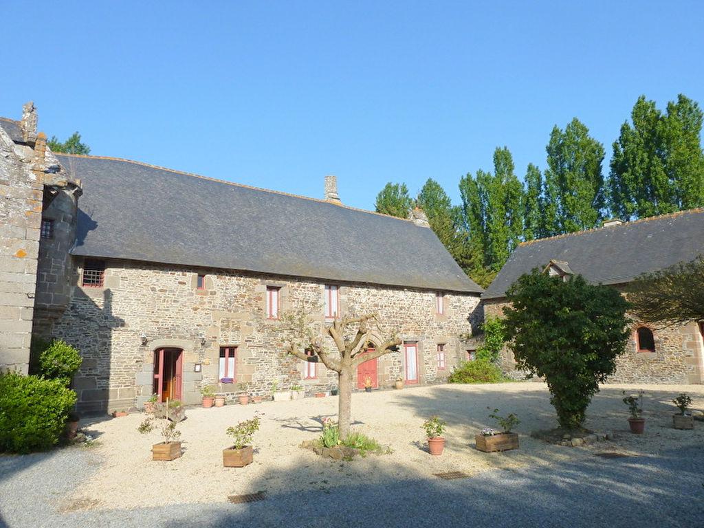 Proche Mont-St-Michel - Demeure de prestige, Manoir du 13e et 16e Siècle.