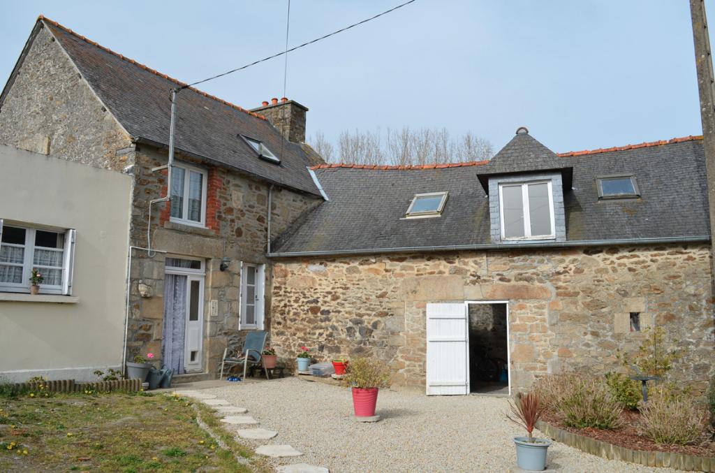Secteur Plancoët: Joli cottage en pierre au calme à 15 mns de la côte d'Emeraude