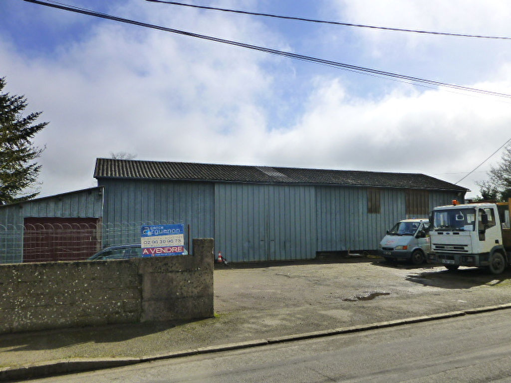 CLOSE TO BROONS Builders yard / Business premises - village location