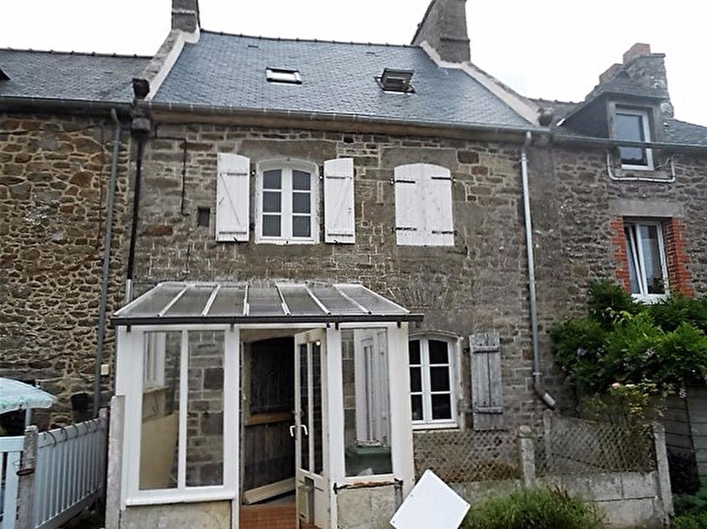 Taden: Charmante maison ancienne dans Village Bord de Rance