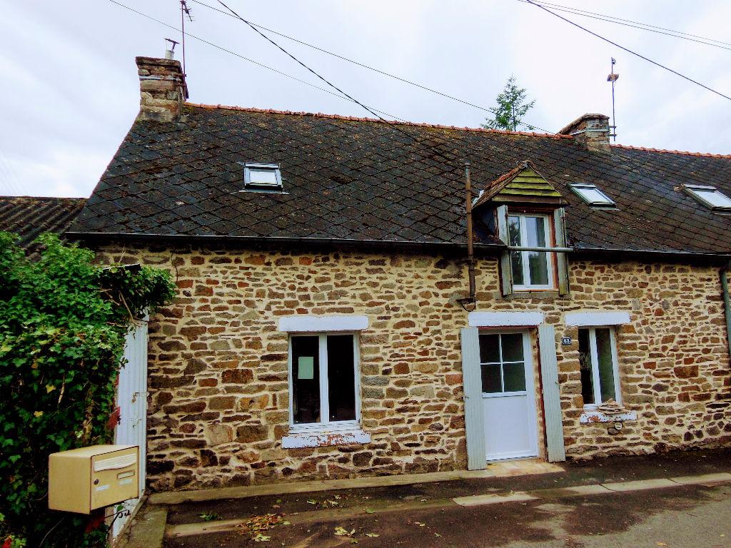 Plemet: Jolie maison de hameau cadre agréable