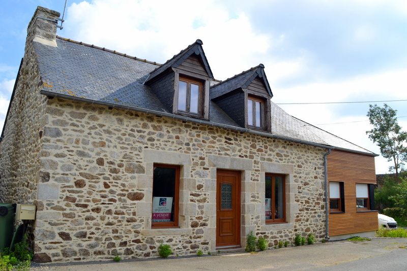 Charming detached longere, nice and light, great area!