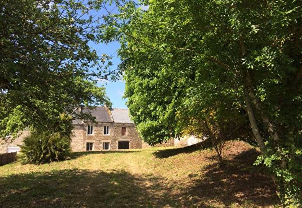 Village property to restore between Dinan and the coast