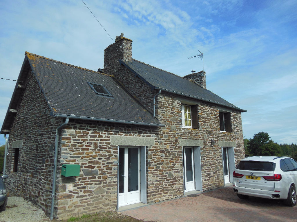 LANGROLAY SUR RANCE: Pretty detached 3 bed stone house