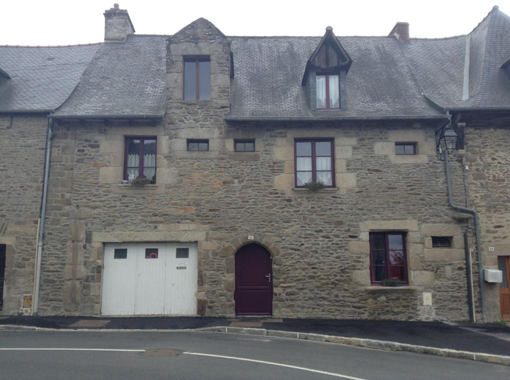 CENTER Dinan, Beautiful character house 4 bedrooms, rental studio