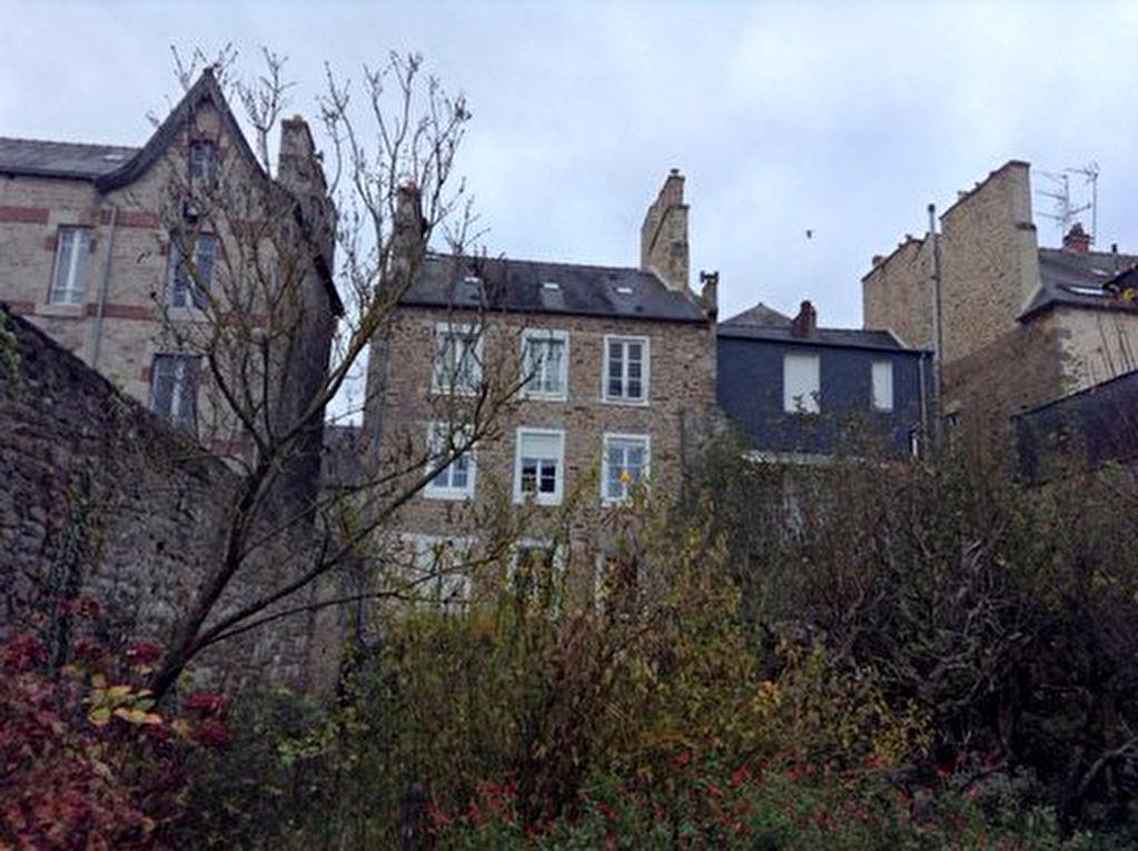 Appartement T3 dans immeuble quartier historique avec jardin