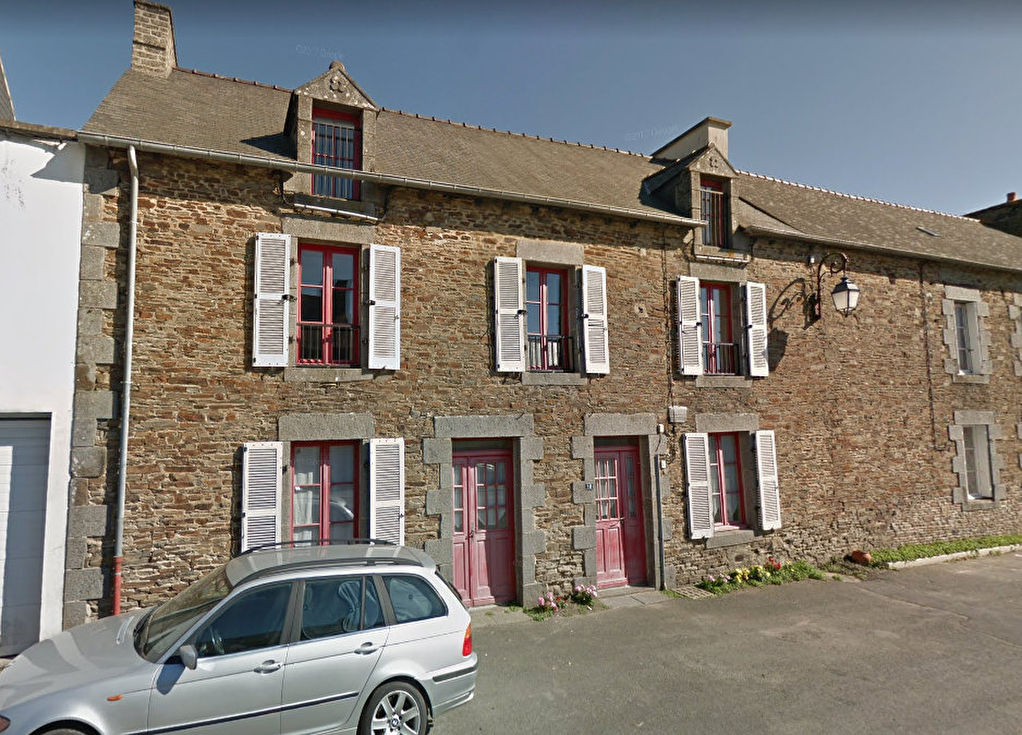 Elegante maison de ville avec jardin et dépendance sur l'axe St Malo / Rennes