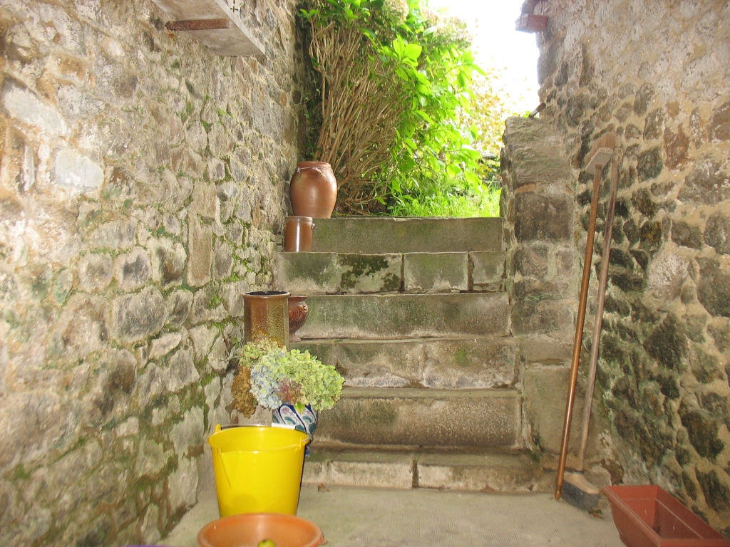 St Malo / Rennes, Elegant house with charming garden close in town centre