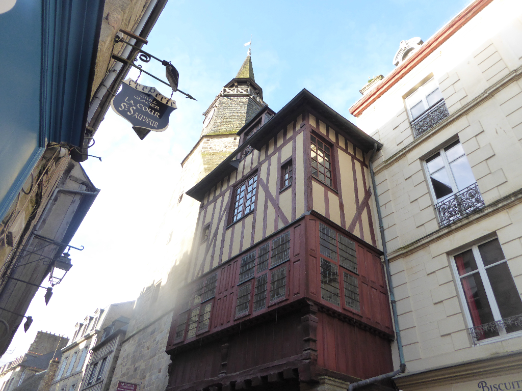 Exceptionnal, character apartment, beautifully restored! Dinan historic centre