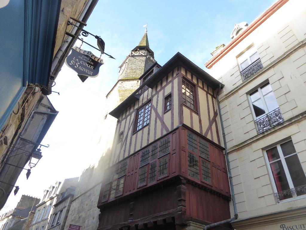 Magnifique appartement restauré dans les règles de l'art, au 2 ème étage d'une élégante maison historique