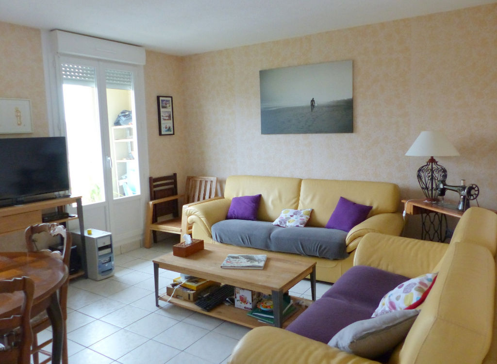Lamballe center, 2 bedroom apartment,  located on the 2nd floor, bright, balcony, open views