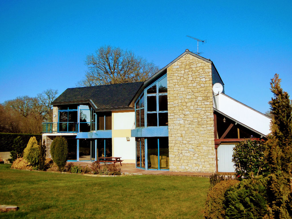 LE TRONCHET - Architect Designed Contemporary Stone house in walking distance to Golf Course