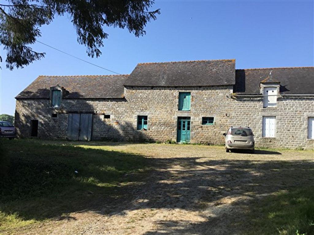 Secteur Broons - Corps de ferme sur 3 hectares,  à rénover