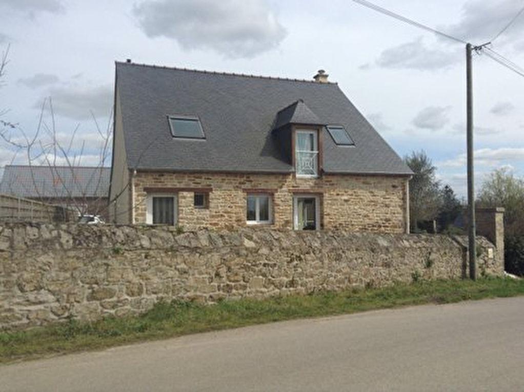 Megrit :Belle maison en pierre avec chambre en rez de chaussée