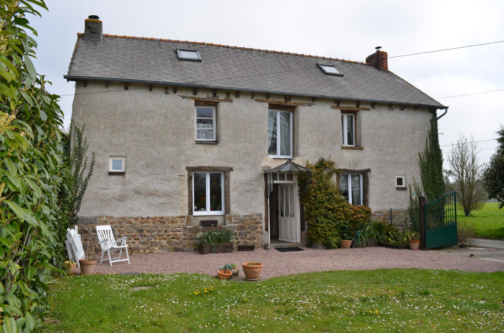 Broons/St Méen area: charming country breton farmhouse