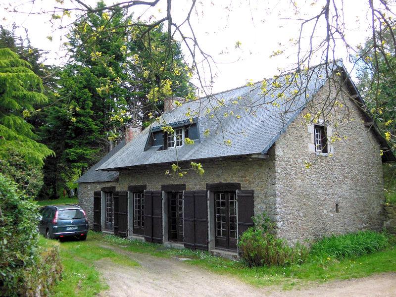 Maison en pierre sur 1.8 hectares 5 pièces avec accès direct rivière