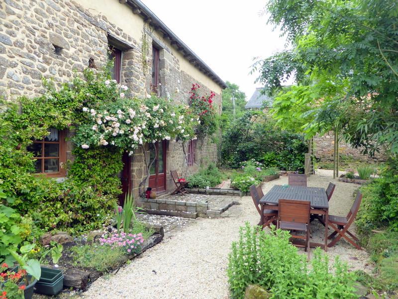 EXCLUSIVITE Plouasne: Ravissante maison en pierre  terrain proche vallée de la Rance