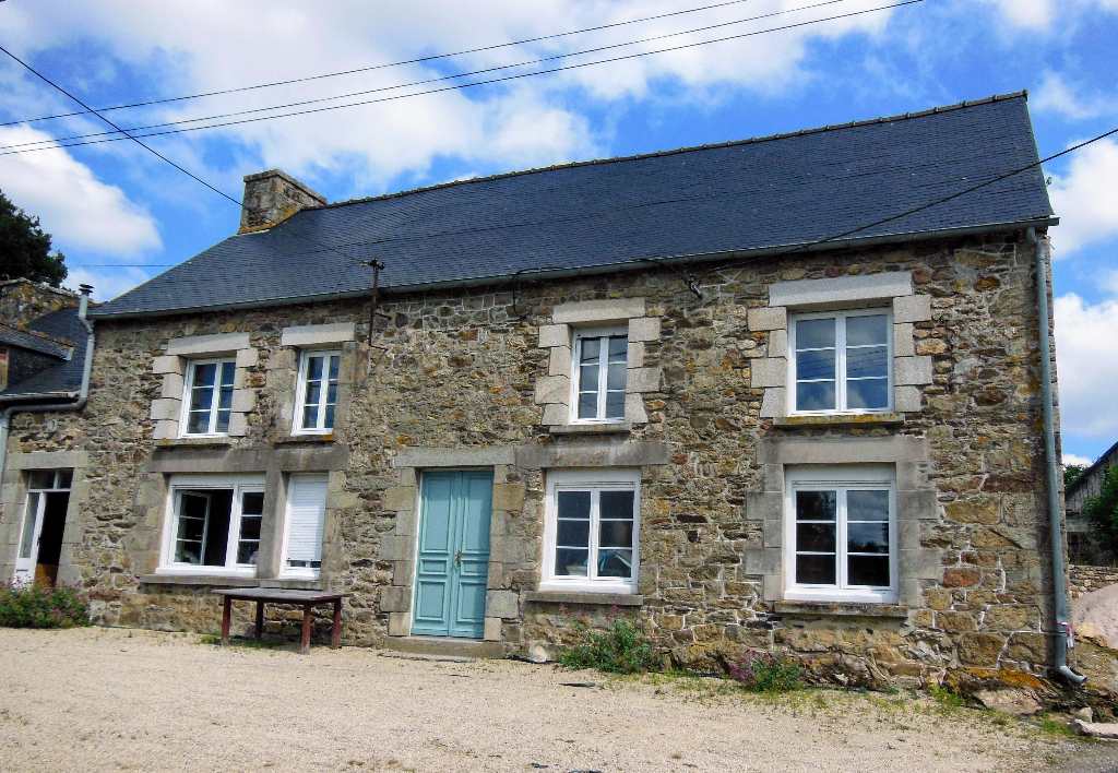 PLEDELIAC - Exceptional Potential - 2 bed cottage with an additional 225m2 potential habitable space