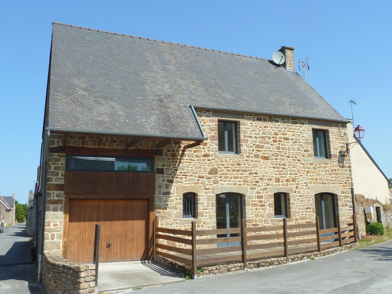 Mont St Michel area : Barn conversion 4 bedroom - plus longere with scope for an extra 150 m2 dwelling